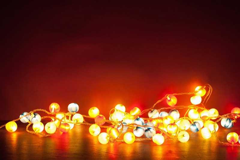Lampki jako najważniejszy element dekoracji świątecznej