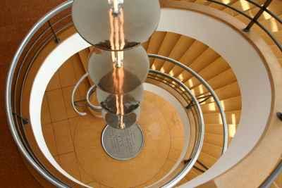 Schody spiralne, bardzo ciekawy design, nowoczesny styl - FLICKR.com by Peter you've lost the news