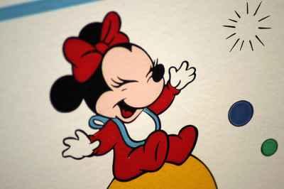 Fototapeta w pokoju dziecka przedstawiająca myszkę Mickey Minnie, fototapeta pasuje idealnie do pokoju dziecięcego -  source: FLICKR.com by akeg