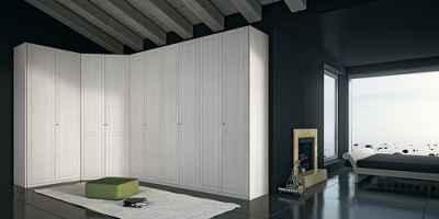 Ogromna, estetyczna, biała szafa w sypialni - FLICKR.com by MAZZALIARMADI.IT
