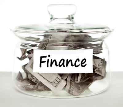 Słoik pełen dolarów, finansowanie mieszkania to często trudny orzech do zgryzienia, źródła finansowania remontu mogą się zawierać w kredycie hipotecznym lub kredycie gotówkowym - source: FLICKR.com_by_Tax_Credits