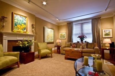 Zielony salon w artystokratycznym mieszkaniu - source: FreeDigitalPhotos.net By Maggie Smith