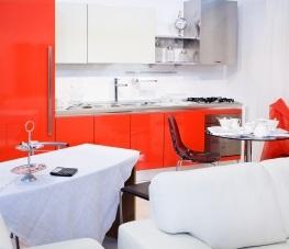 Łazienka w czerwonej tonacji z białymi elementami FreeDigitalPhotos.net by  luigi diamanti