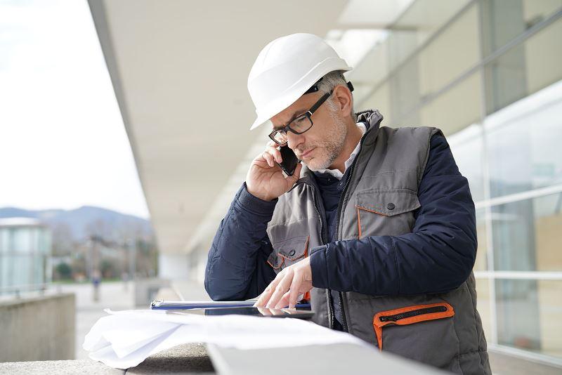 Smartfon do zadań specjalnych dla budowlańca 2