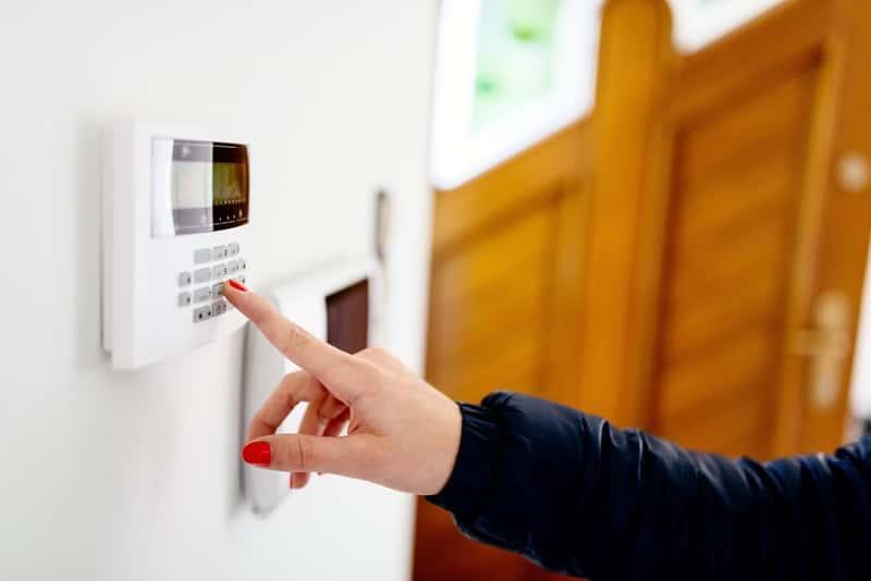 Alarmy domowe - rodzaje, ceny, opinie, polecane instalacje