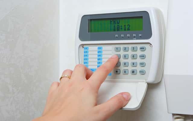 Alarmy GSM - rodzaje, sposób działania, opinie, ceny, niezawodność