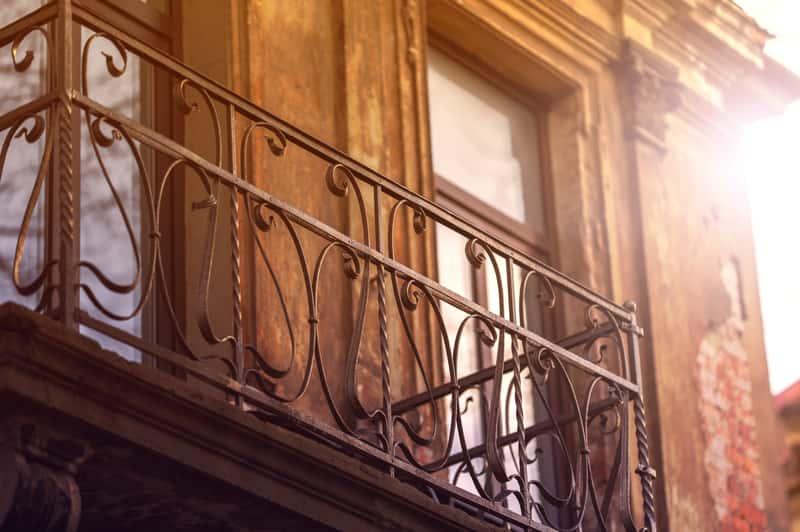 Balustrady kute krok po kroku – ceny, wzory, opinie, porady praktyczne