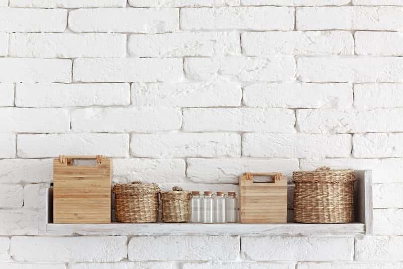 Biała cegła dekoracyjna - ceny, opinie, inspiracje, porady aranżacyjne