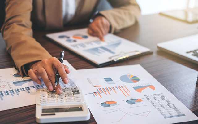 Jak obliczyć całkowity koszt kredytu hipotecznego?