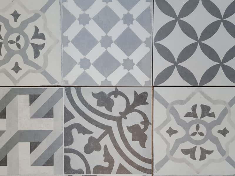 Płytki cementowe – rodzaje, ceny, opinie, porady zakupowe