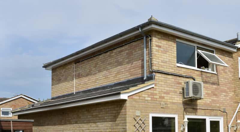 Dach pulpitowy krok po kroku – konstrukcja, koszt, opinie, porady