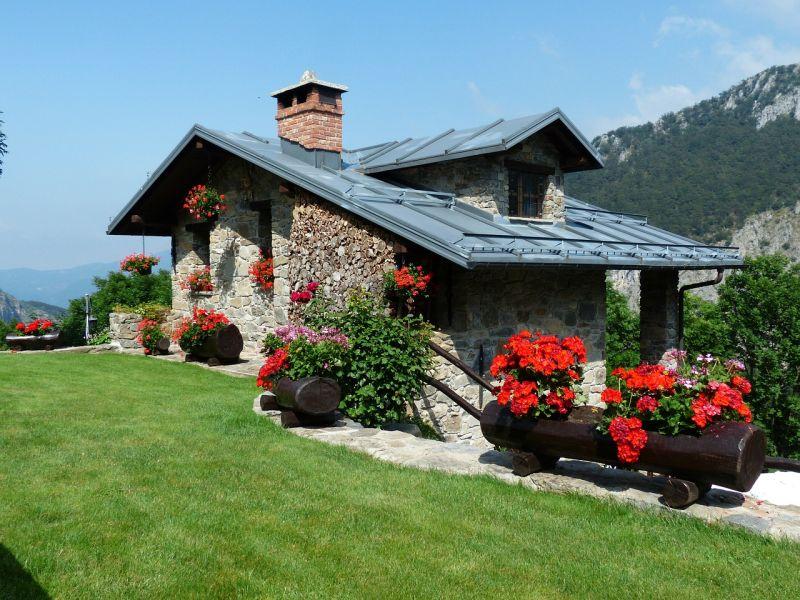 Domek w górach - murowany z kamieni