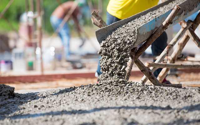 Domieszki do betonu – czyli co znajduje się w betonie, który kupujesz?