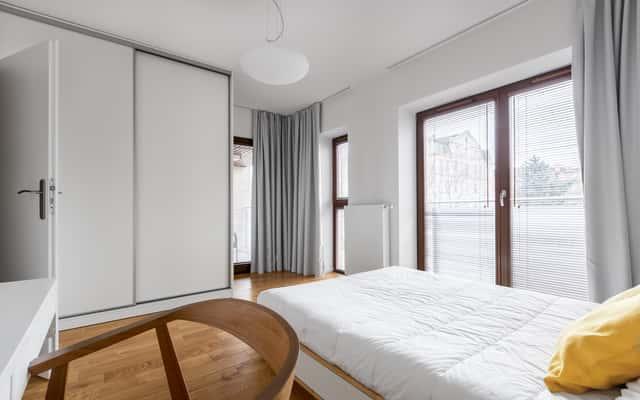 Drzwi przesuwne do garderoby - rodzaje, opinie, ceny, porady przed wyborem