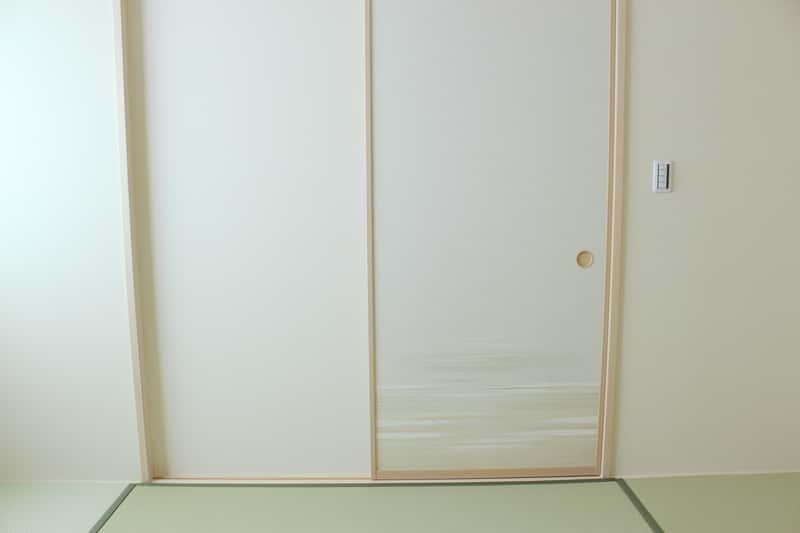 Drzwi rozsuwane - rodzaje, opinie, ceny, montaż, wiodący producenci