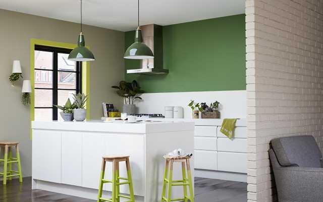Aranżacja salonu z kuchnią – jak je pomalować?