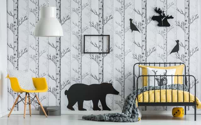 Duże naklejki na ścianę – wzory, opinie, ceny, przyklejanie krok po kroku