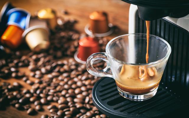 Ekspres do kawy na kapsułki - opinie, ceny, wiodący producenci