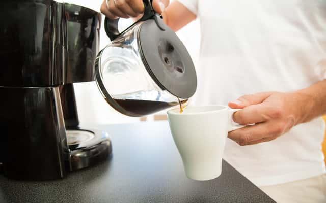 Ekspres przelewowy do kawy - najlepsze modele, opinie, ceny
