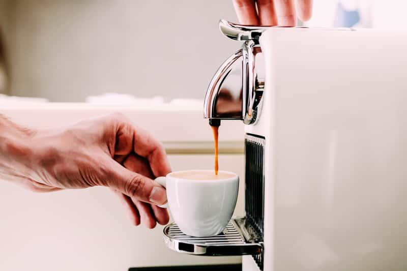 Jaki ekspres do kawy wybrać? Rodzaje, przegląd modeli, opinie, ceny