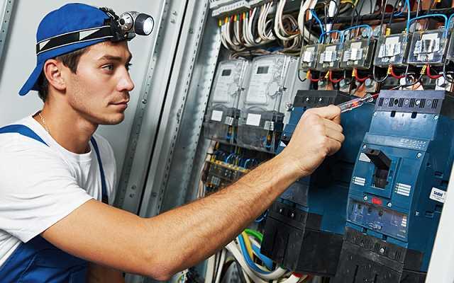 Naprawy elektryczne – najczęstsze błędy przy wykonywaniu instalacji