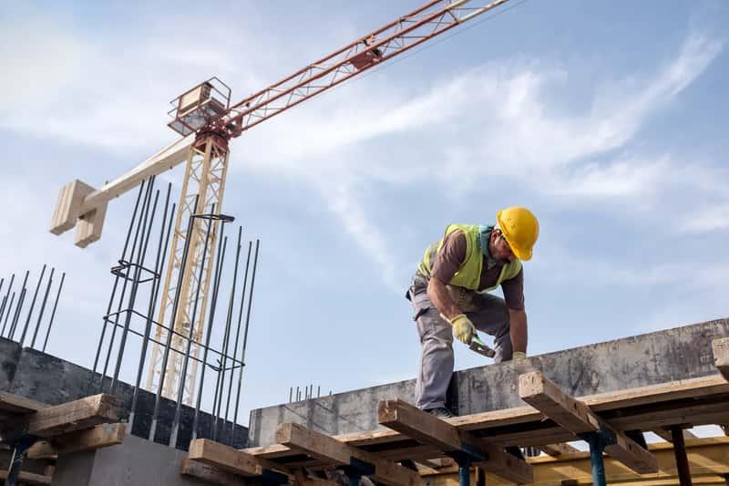 Coraz trudniej znaleźć dobrą firmę remontowo-budowlaną