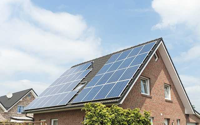 Zasil swoje gospodarstwo domowe darmową energią słoneczną! Fotowoltaika – energia ze słońca