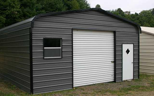 Garaże blaszane – lekkie, praktyczne i na każdy pojazd mechaniczny