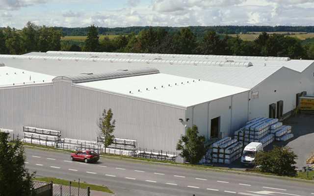 Przemysłowe hale stalowe – optymalne rozwiązania dla przedsiębiorstw produkcyjnych