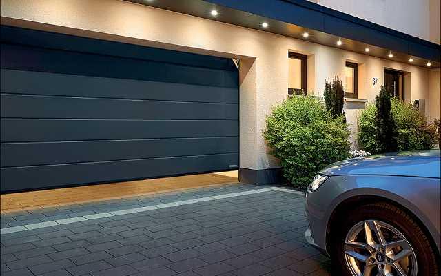 Termoizolacyjna brama garażowa: ciepło, oszczędność, ekologia