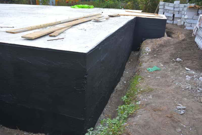 Lekka i ciężka izolacja fundamentów budynku - zastosowanie, różnice, porady