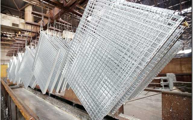 Stalowe elementy konstrukcyjne w budownictwie przemysłowym i halach stalowych