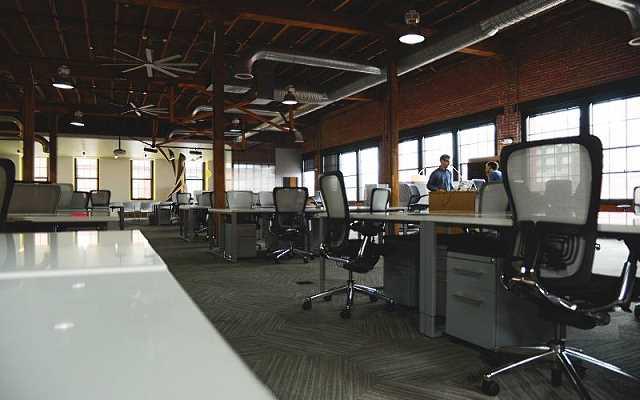 Biurko metalowe - czy tylko do warsztatu?