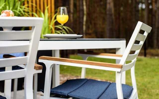 Na co zwrócić uwagę, wybierając krzesła ogrodowe?