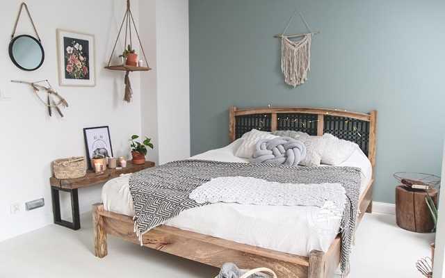 Meble z drewna jako najważniejszy element wykończenia Twojego salonu