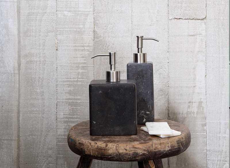 akcesoria łazienkowe marmurowe