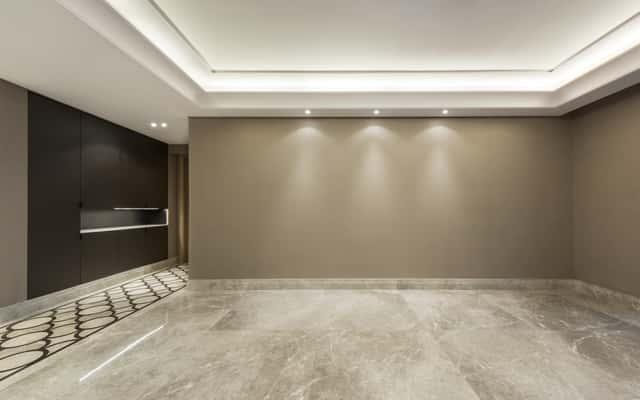 Jakie materiały na sufit napinany sprawdzają się najlepiej?