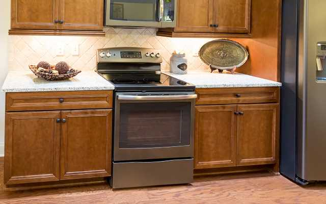 Na co zwracamy uwagę przy zakupie mebli kuchennych i AGD?