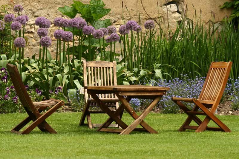 Meble ogrodowe w Leroy Merlin - przegląd oferty, opinie, ceny, porady