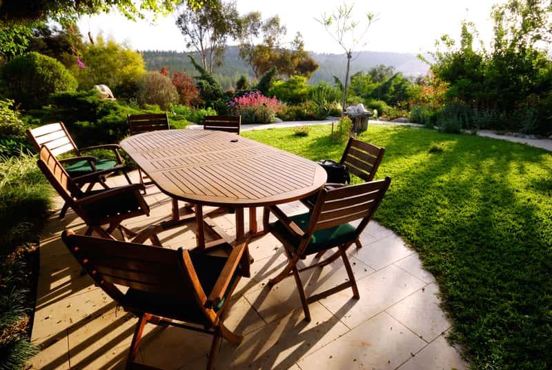Meble ogrodowe z Obi, czyli zestawy ogrodowe stoliki i krzesła na yle zachodzącego słońca