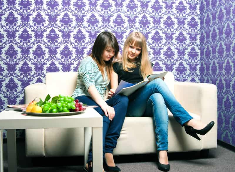 Tapety młodzieżowe - rodzaje, ceny, popularne wzory i motywy