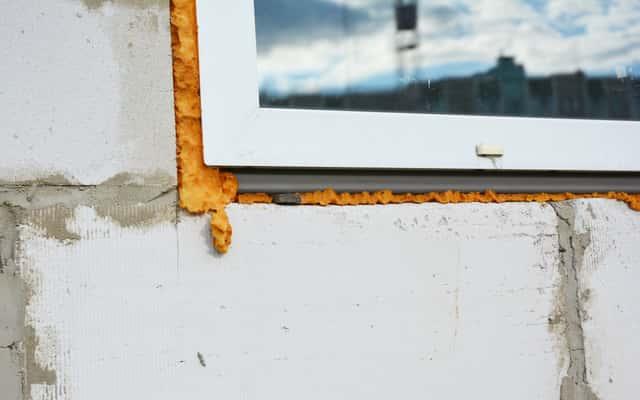 Mostki termiczne – przyczyny powstawania i sposoby na radzenie sobie z nimi