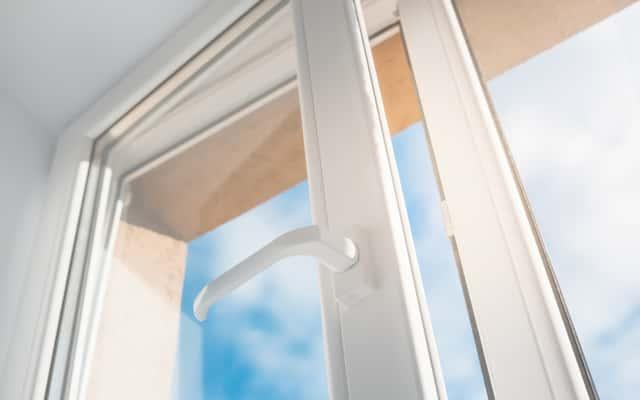 Czy okna plastikowe to dobry wybór do domu? Sprawdzamy!