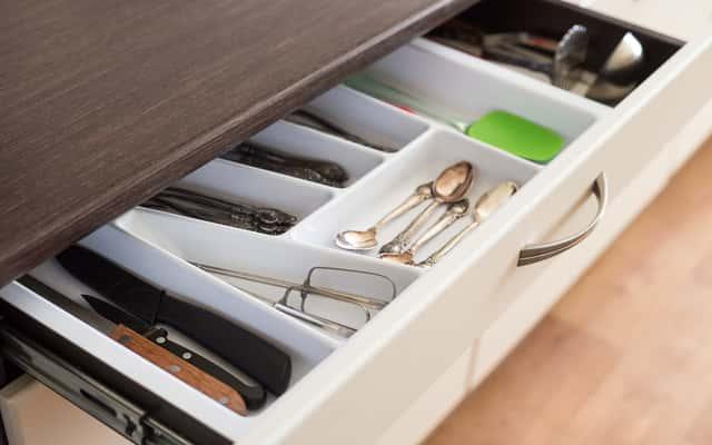 Osprzęt firmy Blum do mebli kuchennych - przegląd produktów