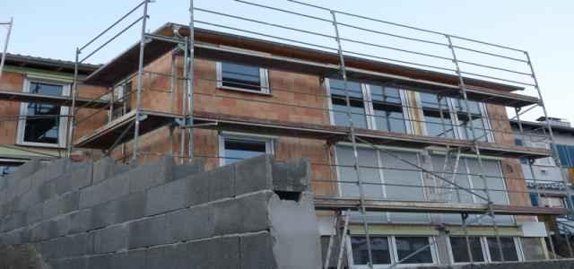 Ciekawe rozwiązania i oszczędności podczas budowy domu - sprawdzone sposoby