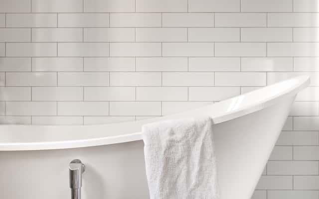 Płytki ścienne łazienkowe - rodzaje, ceny, opinie, porady przy wyborze