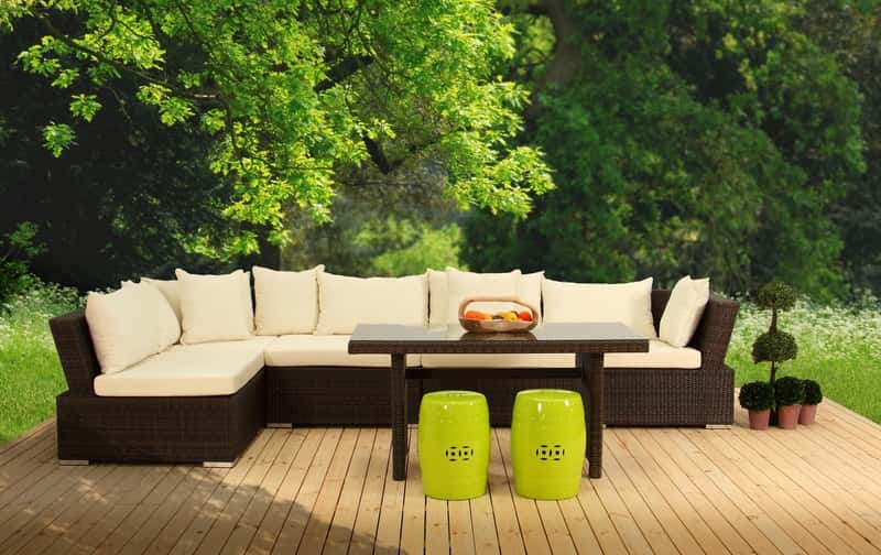 Pokrowce na meble ogrodowe oraz poduchy na siedziska na lato ozdobne oraz ochronne na zimę