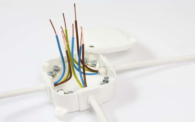 Puszki natynkowe elektryczne - zastosowanie, opinie, ceny, rodzaje, porady
