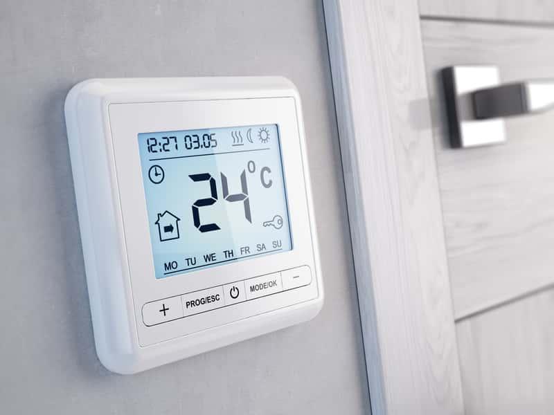 Regulatory pokojowe – który wybrać do sterowania temperaturą? Sprawdzamy!
