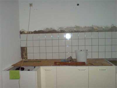 Moja kuchnia po remoncie, nowe kafle, dolne meble już ustawione